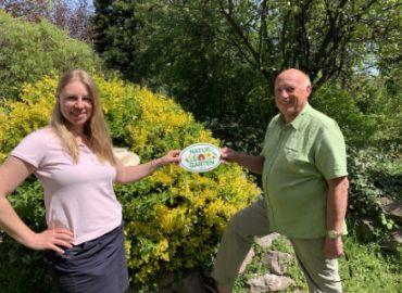 """Gärten in Wien werden jetzt wieder ausgezeichnet mit der """"Natur im Garten"""" Wien Plakette"""